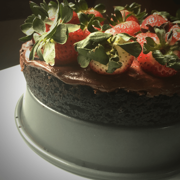 Delicious Chocolate Almond Lovers Strawberries Cheesecake recipe. Easy and fun to make. Will quickly satisfy our sweet taste buds. Savory Thoughts | #chocolatealmondloversstrawberriescheesecake #recipe #chocolate #almond #lovers #strawberries #cheesecake