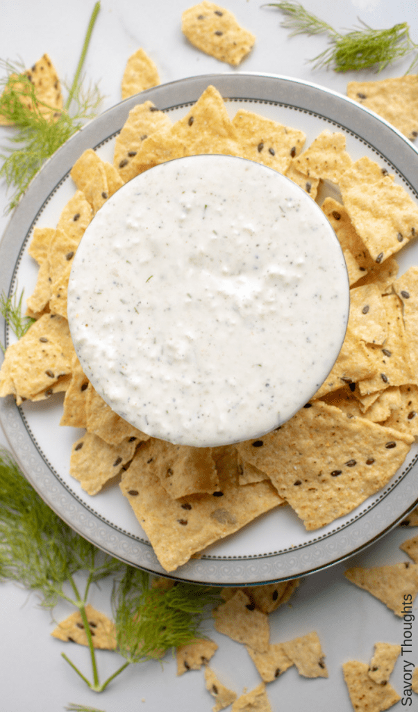 Tzatziki-sauce-recipe-savory-thoughts- Addictively delicious Tzatziki Sauce Recipe. A classic Greek appetizing dip and a great make ahead side dish! Full of flavor and simple to make in just 15 minutes or less.