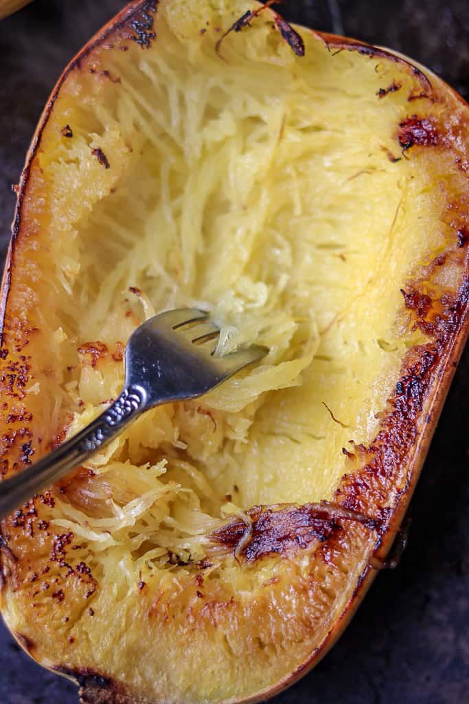 How to Cook Spaghetti Squash Boats - Savory Thoughts - Here's the right way to cook spaghetti squash boats! This method will leave you with a juicy, tender, spaghetti-like experience every single time. Full of fiber and other nutritious value.