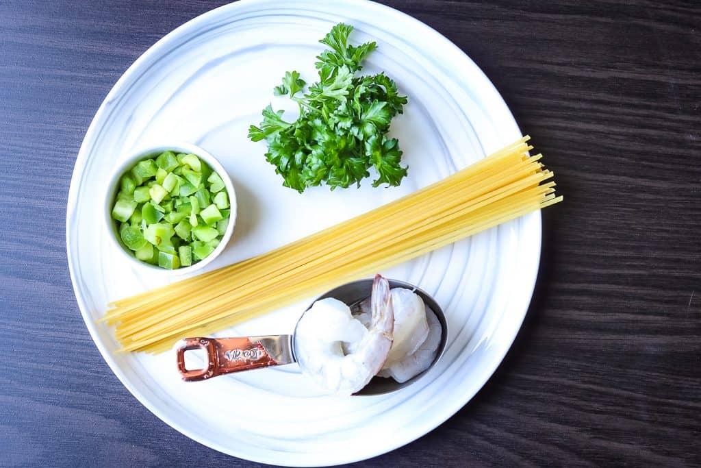 list of ingredients to make shrimp linguini pasta.