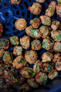 Air Fried Okra in air fryer basket. #airfriedokra #frozenokrarecipe