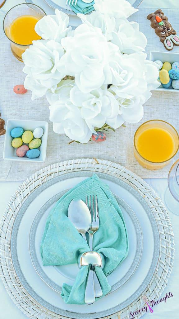Easter Sunday Brunch Tablescape