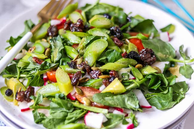 What to eat with asparagus salad