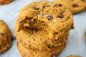 chocolate chip cookies with pumpkin puree
