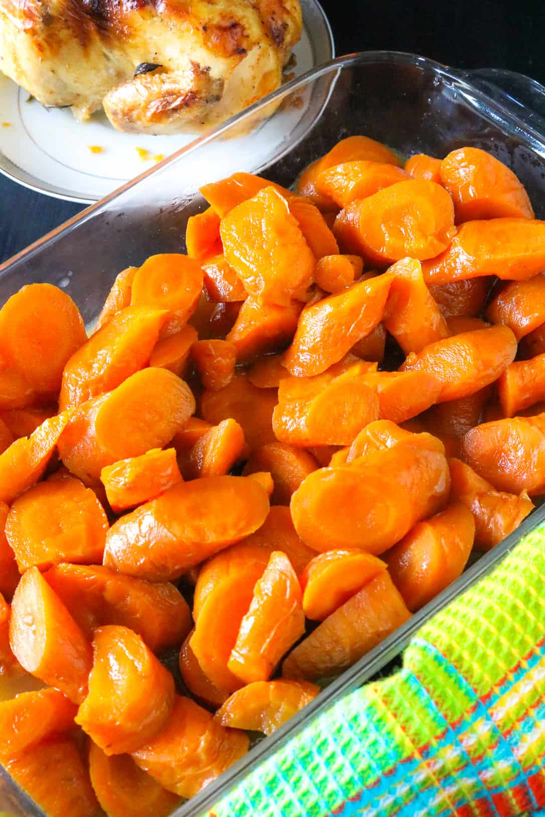 cooked carrots in glass tray