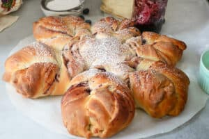 twisted bread topped with powder sugar