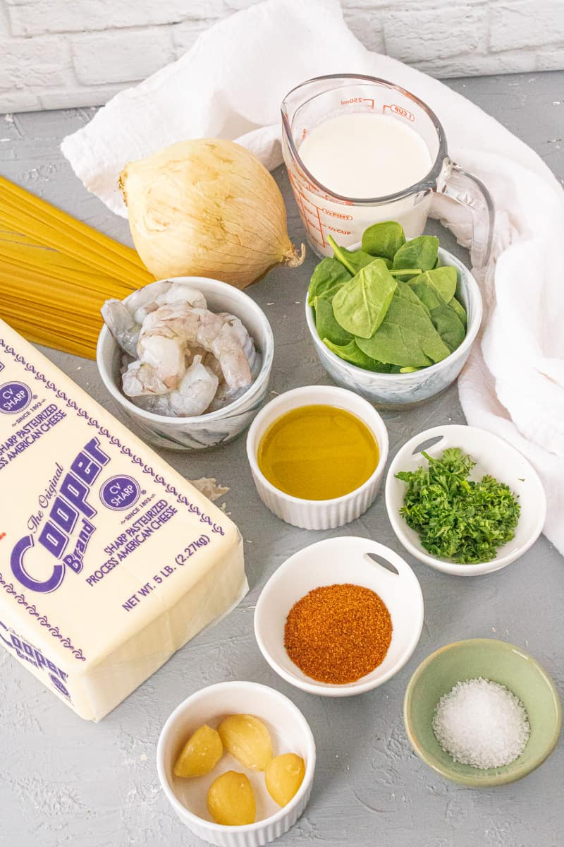 list of ingredients needed to make shrimp alfredo with spinach