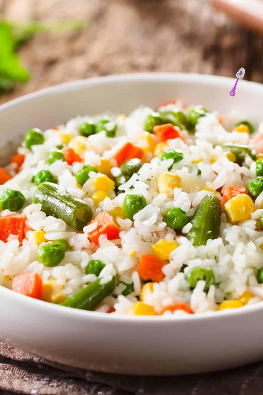 vegetable rice in white bowl