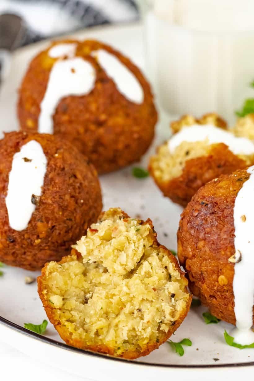 falafel balls with yogurt